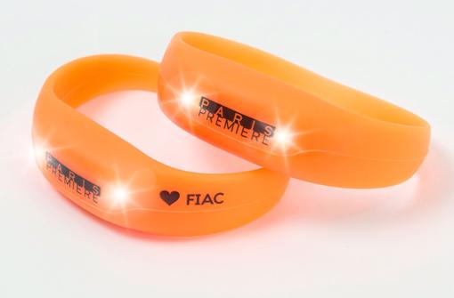 Bracelets lumineux orange personnalisés avec logo