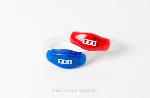 Bracelets lumineux à activation au son en bleu et en rouge personnalisés avec logo