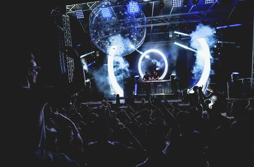 Concert et ambiance festive avec le ballon lumineux LedPulse