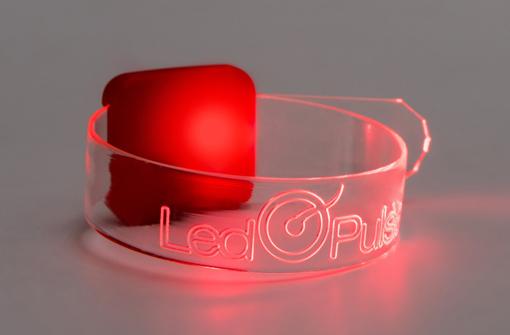Bracelets LED effet laser rétroéclairé sur le logo