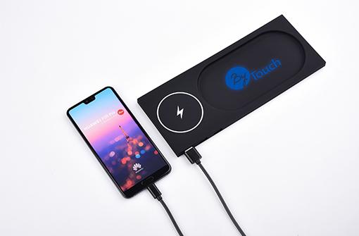 Chargeur sans fil lumineux à induction personnalisé avec un logo