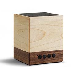 Enceinte Bluetooth cubique en bois naturel